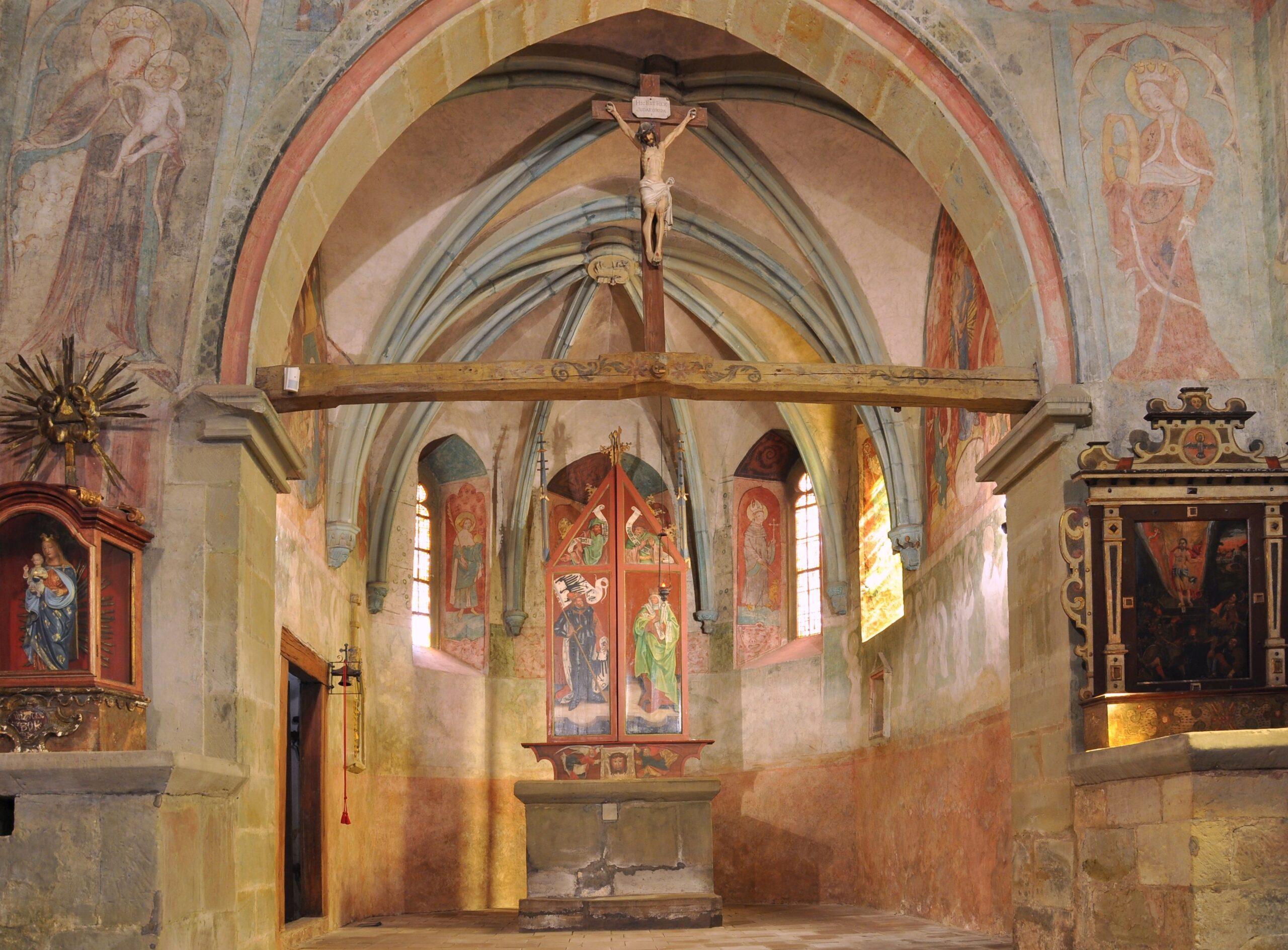 Východní strana kostelní lodi